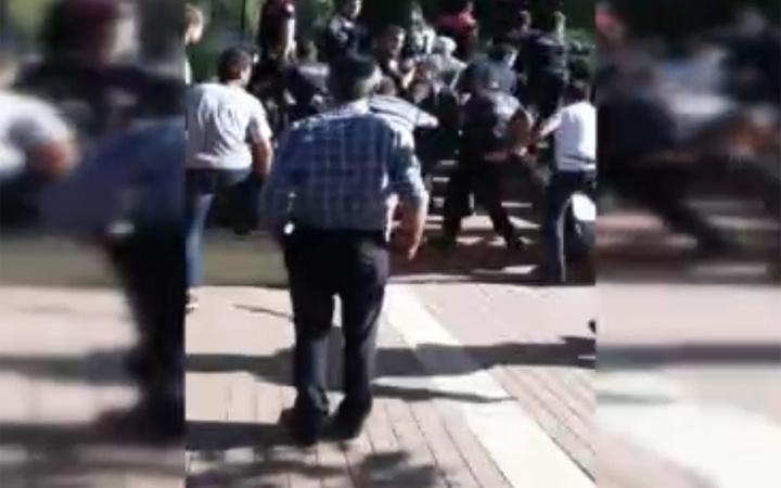 Ankara'da bir kişi eski eşini çocuğunun gözleri önünde bıçakladı
