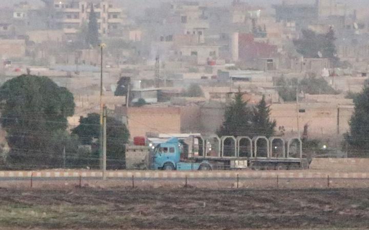 YPG'li teröristler hazırlanıyor! Beton bloklarla tünel inşası görüntülendi