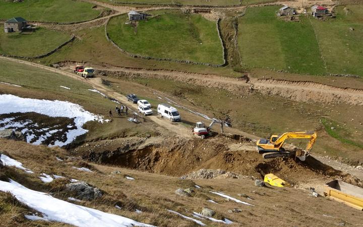 Köylüler define var dedi! Dipsiz göl boşaltılıp 5 gün boyunca kazıldı