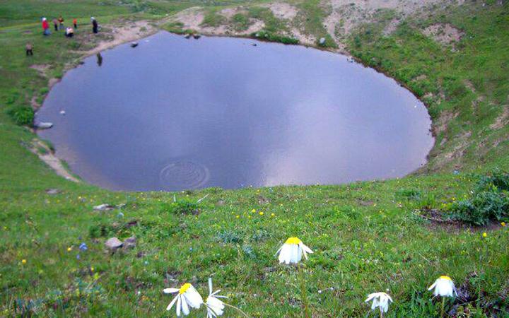 Dipsiz Göl hakkında flaş gelişme hazine için kurutup toprakla dolduranlar bakın kimmiş