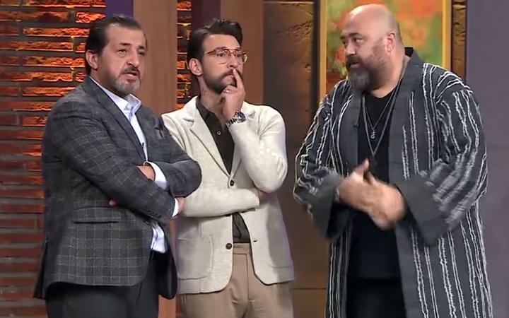 Tv8 MasterChef'te üçlü düelloda bir ilk! İki kişi birden üst tura geçti