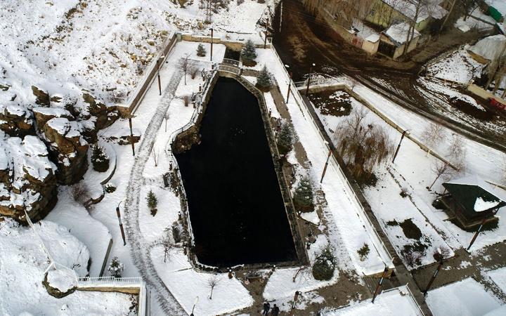Erzurum'da gizemi çözülemeyen göl ölen balıklar özel mezarlığa defnediliyor