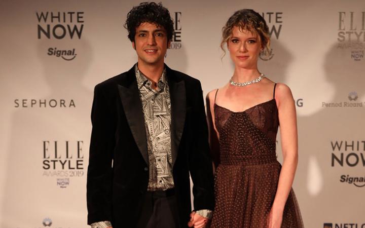 Mucize Doktor'un yıldızı Taner Ölmez sevgilisi Ece Çeşmioğlu ile evleniyor!