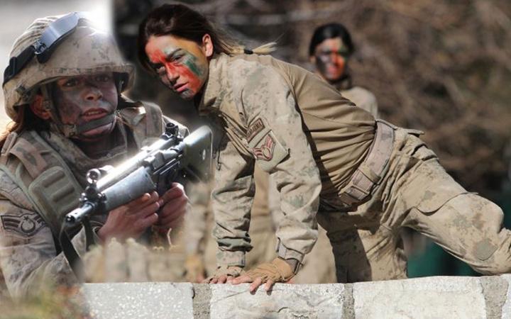 Türkiye'nin ilk kadın Jandarma Komando Astsubayları'nın nefes kesen eğitimleri