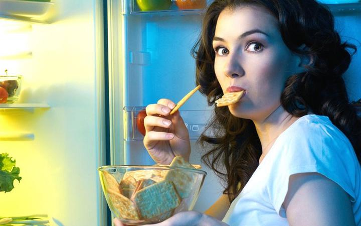 Bu yiyecekler vücudu temizliyor gece yatmadan önce tüketin!
