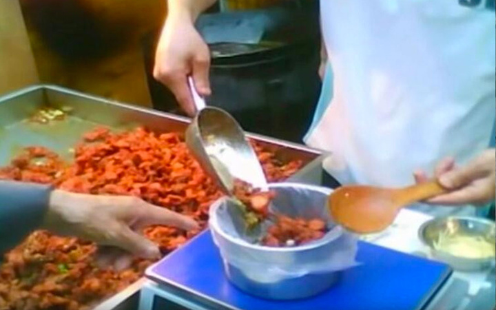Çin'de köpek eti satan restoranın sahibinden kan donduran itirafları!