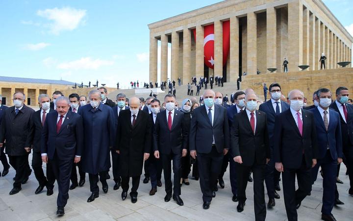 TBMM'nin açılışının 100. yıl dönümü kutlanıyor TBMM Anıtkabir ve 1. Meclis'te törenler...