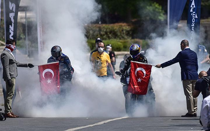 İstanbul'da 19 Mayıs Atatürk Rallisi! Kenan Sofuoğlu ile Toprak Razgatlıoğlu yarıştı