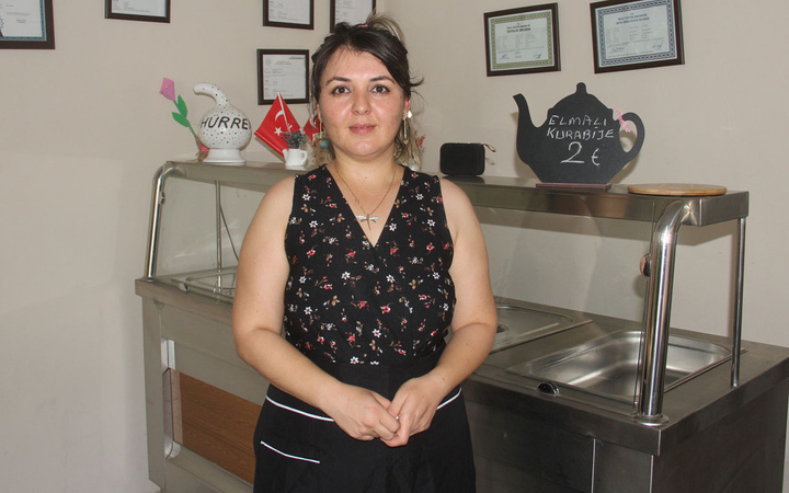 Adana'da bir anne 10 lirayla başladı şimdi siparişlere yetişemiyor
