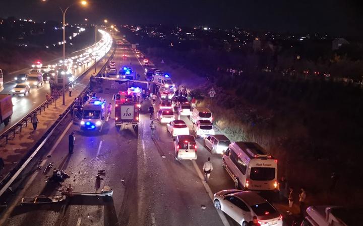 Ankara yolunda can pazarı! Otobüs devrildi