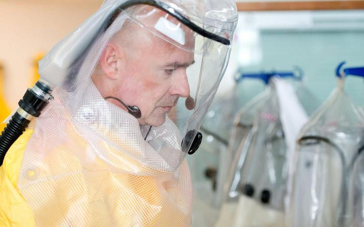 Koronavirüs salgını geri döndü! Yasaklar ve OHAL kararları peş peşe geliyor