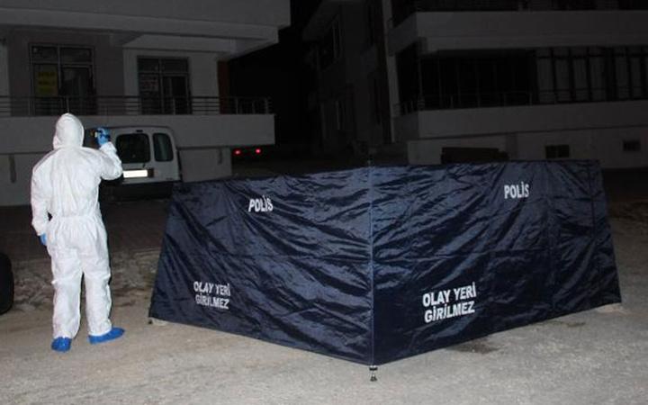 Konya'da genç kadın birlikte yaşadığı sevgilisini bıçaklayarak  öldürdü
