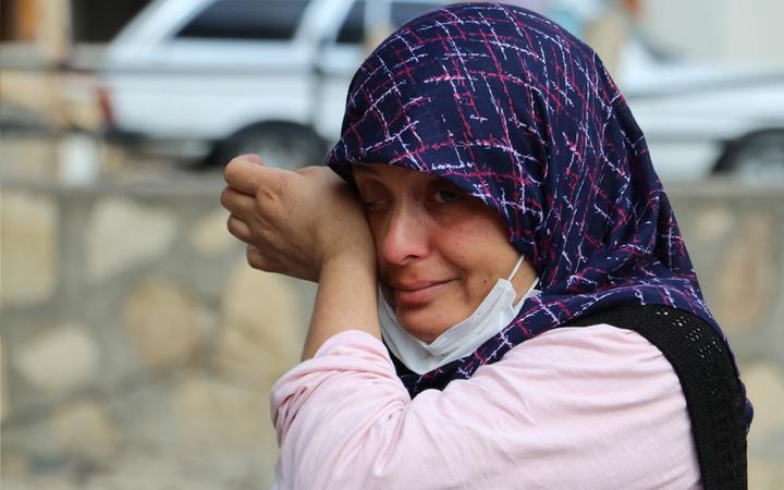 Hatay'da evi küle döndü gözyaşlarına hakim olamadı! 'Bunu insan olan yapmaz' diyerek tepki gösterdi