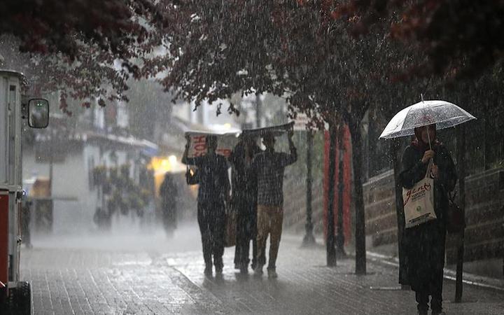 Meteoroloji uyardı! Hafta sonu gök gürültülü sağanak yağış var