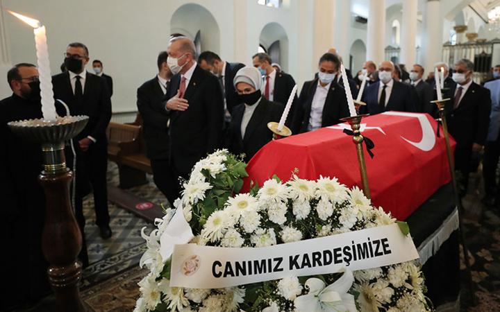 Ermeni Patriği Maşalyan'dan Cumhurbaşkanı Erdoğan'a dua! Markar Esayan'ın cenaze töreni