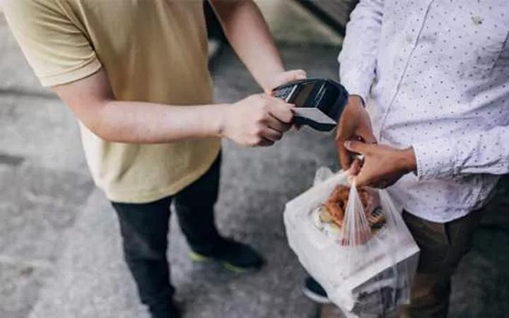 Denizli'de yemek siparişi verdi hayatının şokunu yaşadı: Sen gey misin