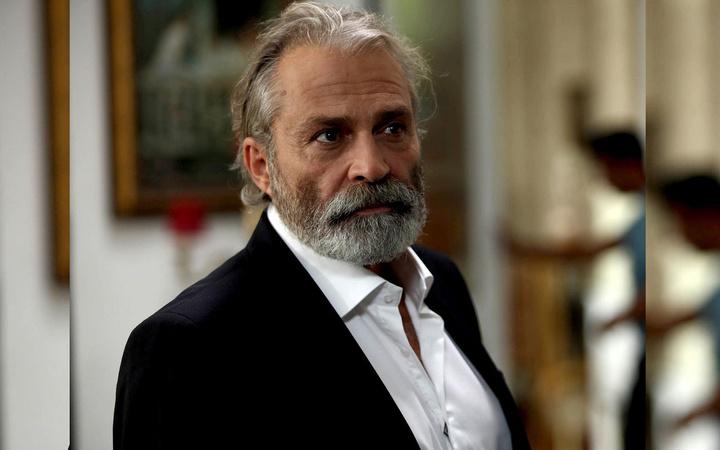 En son Exxen'de Şeref Bey'deydi Haluk Bilginer'in yeni dizisi belli oldu