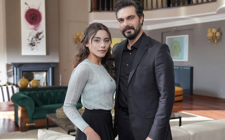 Kanal 7'deki Emanet dizisinin Seher'i poz verdi takipçilerini çıldırttı!