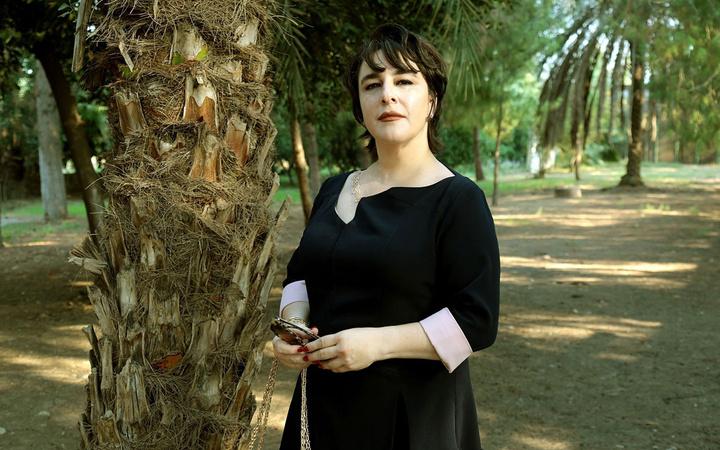 15 yaş küçük ünlü isimle aşk yaşayan Esra Dermancıoğlu yorumlara kızdı açtı ağzını...