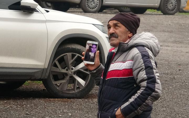 İstanbul Kartal'da pes dedirten olay! Eşine telefondan canlı izletti