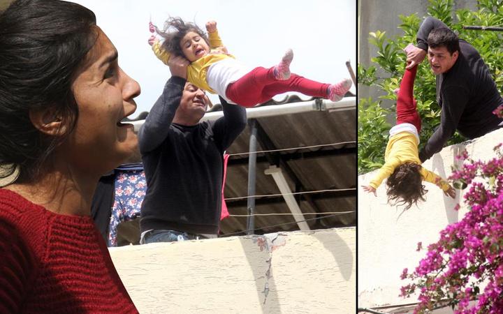 Adana'da 'kanı akarsa büyü bozulacak' deyip kızını rehin aldı! 'Babacığım yapma' feryadı yürekleri yaktı