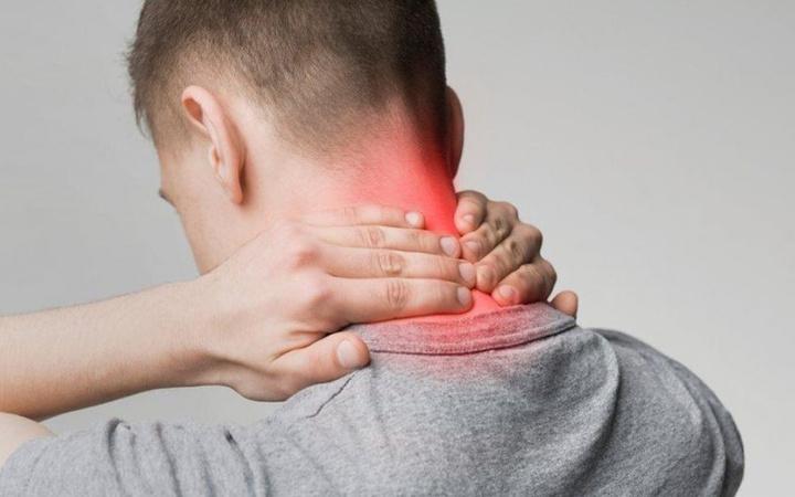 Boyun ağrısı neden olur nasıl geçer bu 6 öneriye dikkat!