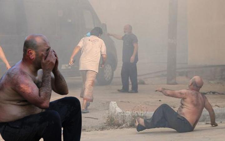 Antalya'da 2 milyon TL zarara uğradı! Ekmek teknesini kurtarmak isterken sırtı yandı