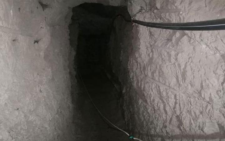 Bir darbe daha! PKK teröristlerin kullandığı 14 odalı mağara tespit edildi