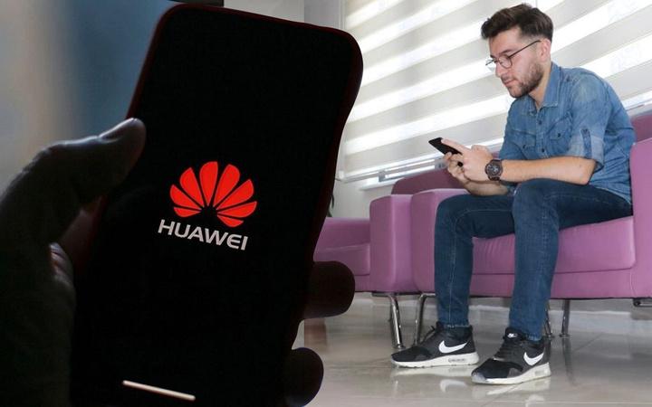 Kahramanmaraş'ta Huawei'nin açığını bulan gence bakın ne ödül verildi