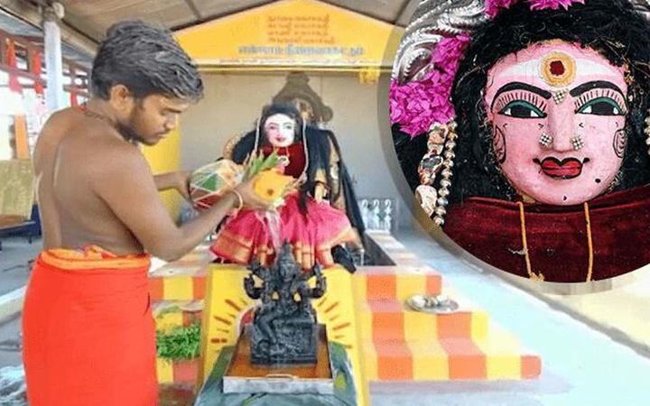 Virüse 'çare' için tapınak kuruldu! Hindistan'da koronaya tapıyorlar