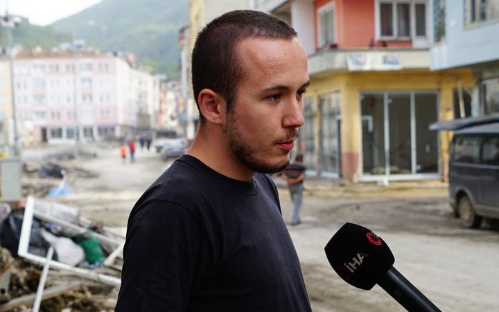 Kastamonu Bozkurt'ta selzede genç kendisine fazla ödenen 750 bin lirayı iade etti