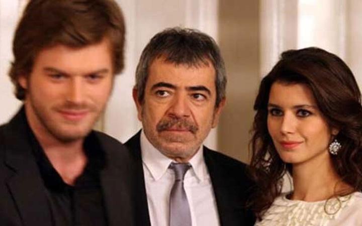 Aşk-ı Memnu'dan 11 yıl sonra bir ilk! Kıvanç Tatlıtuğ-Beren Saat aynı projede...