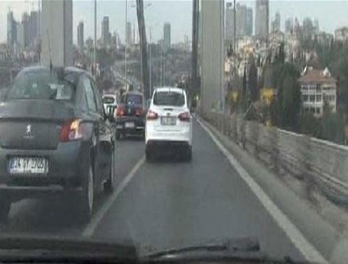 Erdoğan geçtiği sırada köprü böyle sallandı