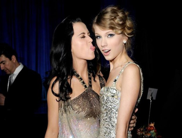 Katy Perry, Taylor Swift'i fena solladı!