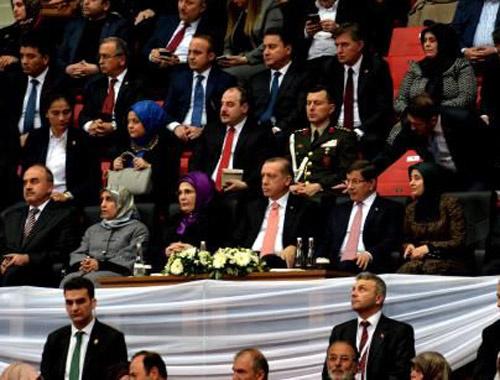 Erdoğan ve Davutoğlu Şeb-i Arus töreninde buluştu!