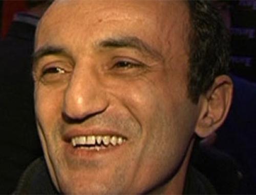 Havaalanında Ersin Korkut'a saldırdılar