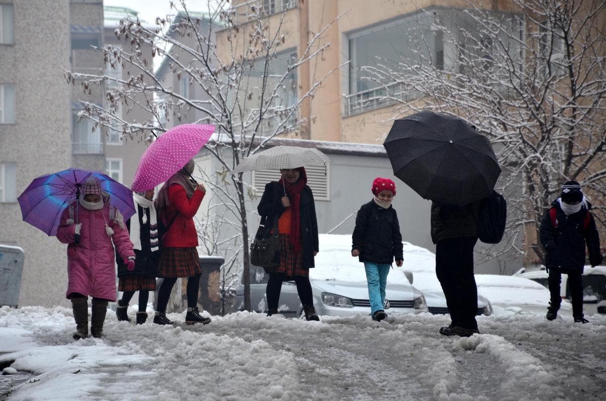 Bitlis'te  okullar tatil mi son hava durumu