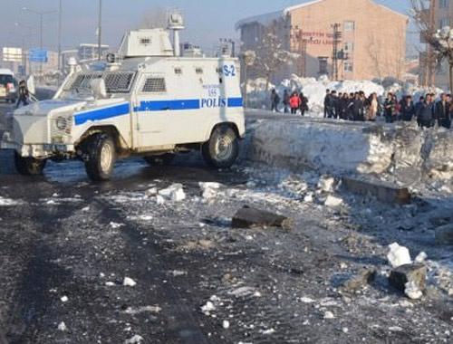 Yüksekova'da zırhlı araca bombalı tuzak!