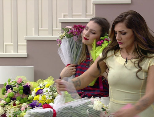 Kısmetse Olur'da Ayça'ya bir araba dolusu çiçek!