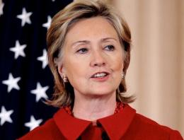 Seçim anketinden Clinton'a kötü haber!