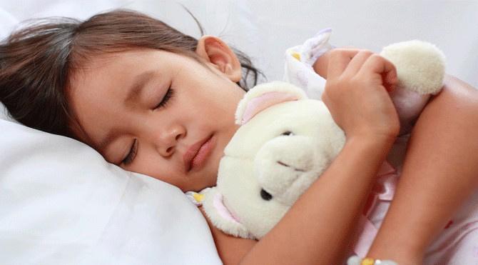 Hangi yaşta kaç saat uyku
