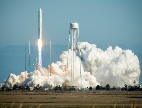 NASA'nın 'Antares' roketi iki yıl sonra havada