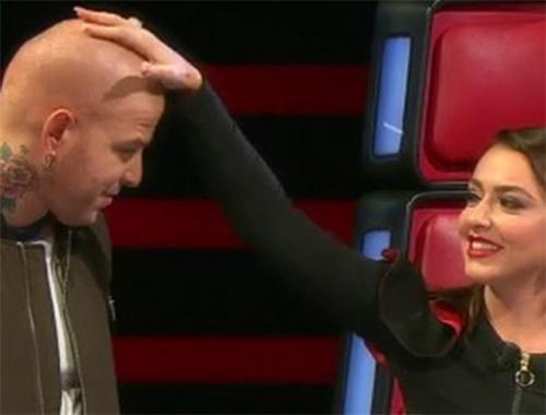 Athena Gökhan'ın son haline bakın saçını kendi kesince...
