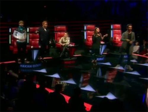 O Ses Türkiye jürisi yarışmacı için birbirine girdi!