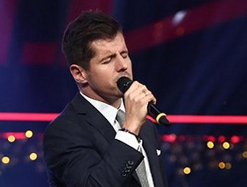 Emre Belözoğlu 'Mazeretim Var Asabiyim Ben - O Ses Türkiye Yılbaşı Özel