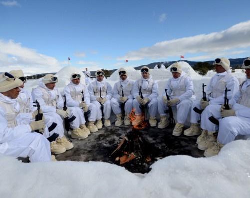 Komandolar karda bakın nasıl hayatta kalıyorlar