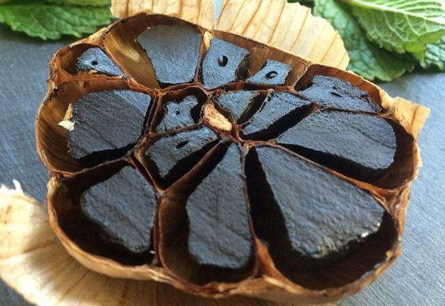 Siyah sarımsağın farkı ne? 6 kat daha etkili ve kokusuz