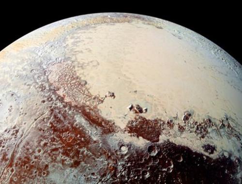 Plüton'un yüzeyinin altında okyanus olabilir