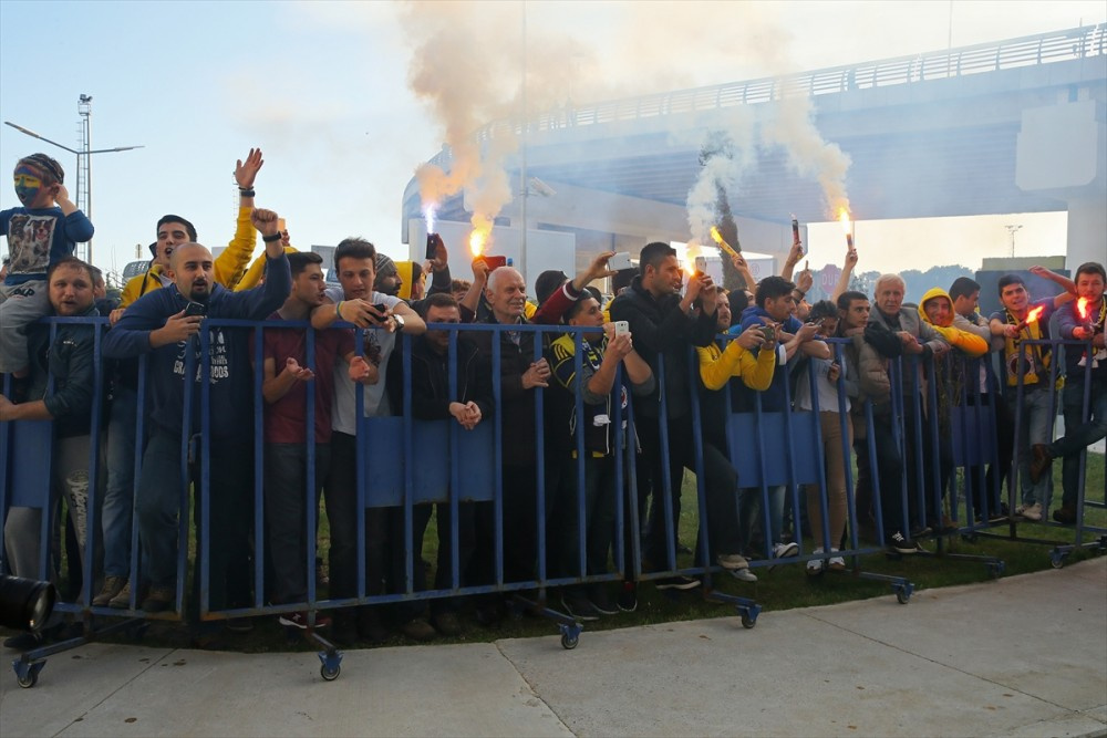 Fenerbahçe'ye coşkulu karşılama