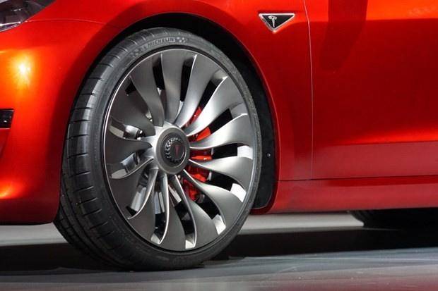Tesla model 3'ü tanıttı otomobil peynir ekmek gibi satıldı - Sayfa 3